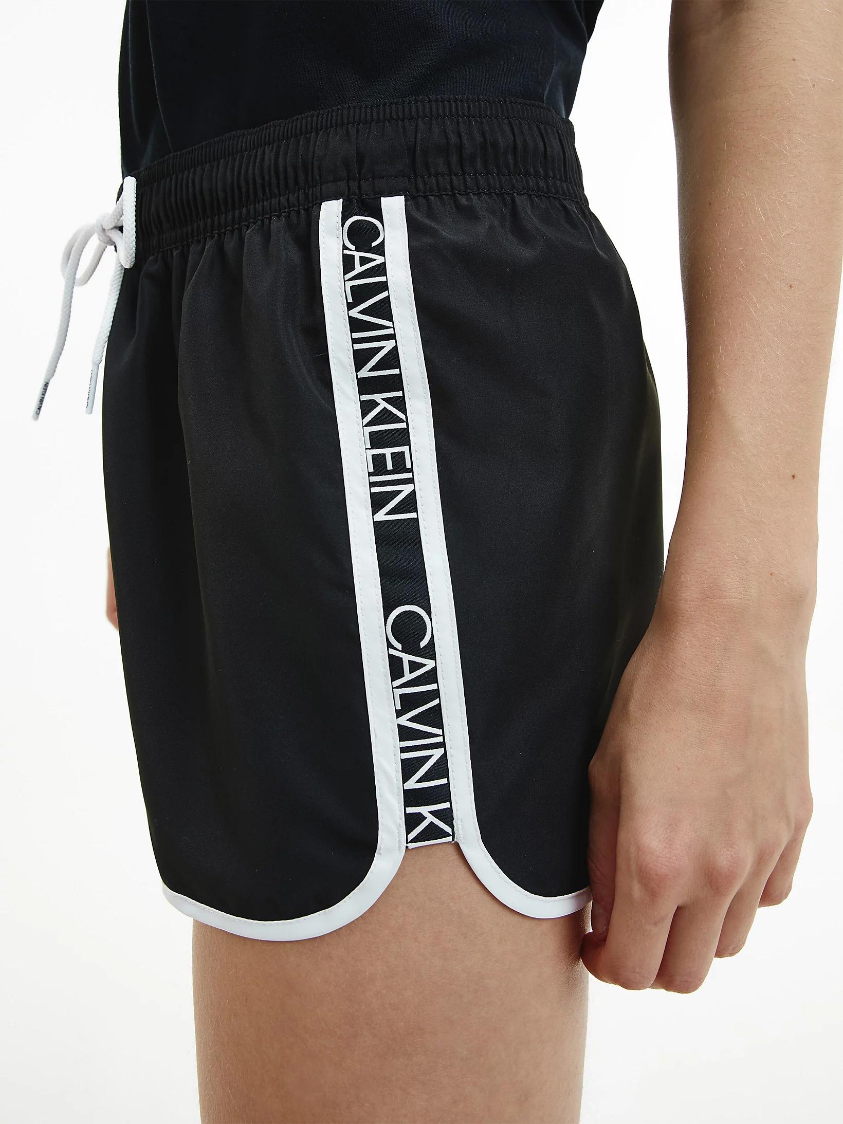 Dámské šortky Calvin Klein KW01361