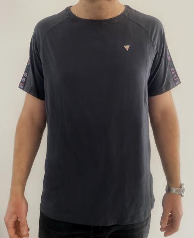 Pánské tričko Guess 01M00 šedá